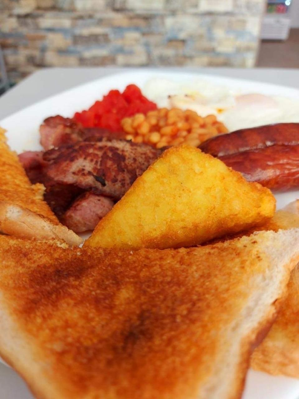 Untitled 2021-08-04 - English breakfast 😋