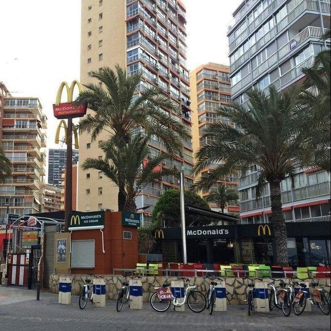 Las Carabelas Apartments
